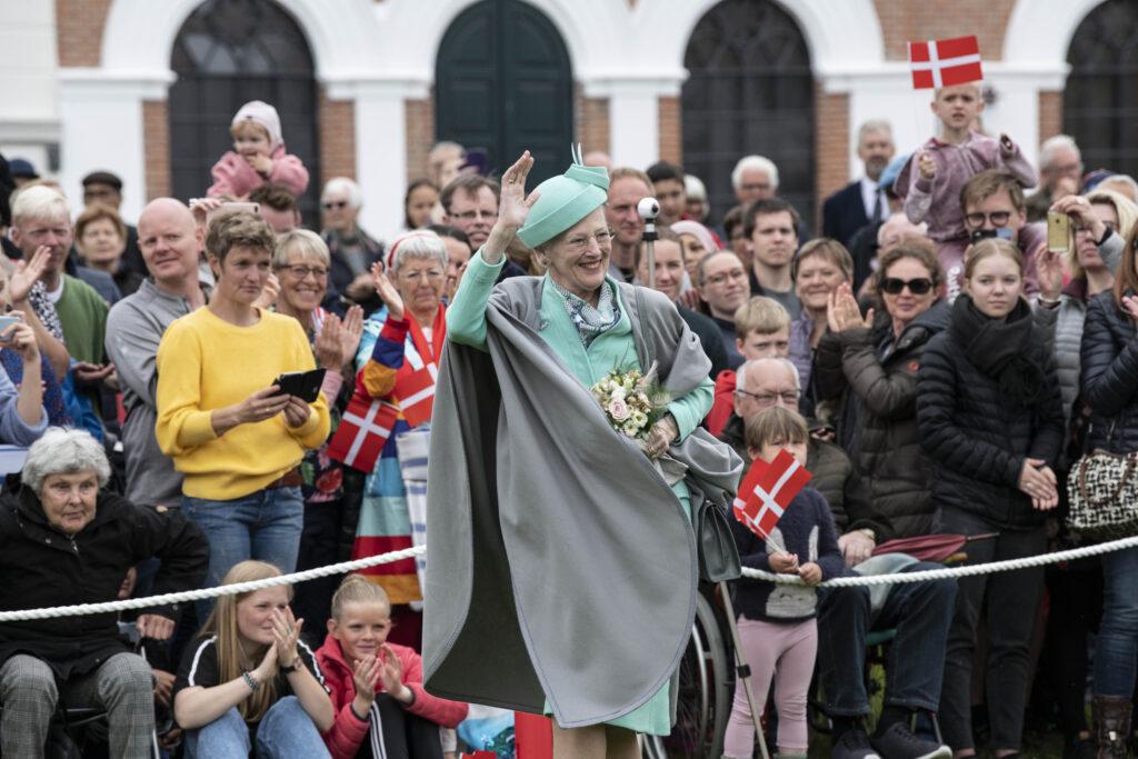 Som fotojournalist har Svalebøg dokumenteret utallige kongebesøg.